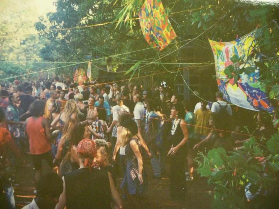יער במבו, גואה, 1993, מסיבה של אולי וויזדום - ספייס טרייב. קרדיט: לוקאס ריידהולם