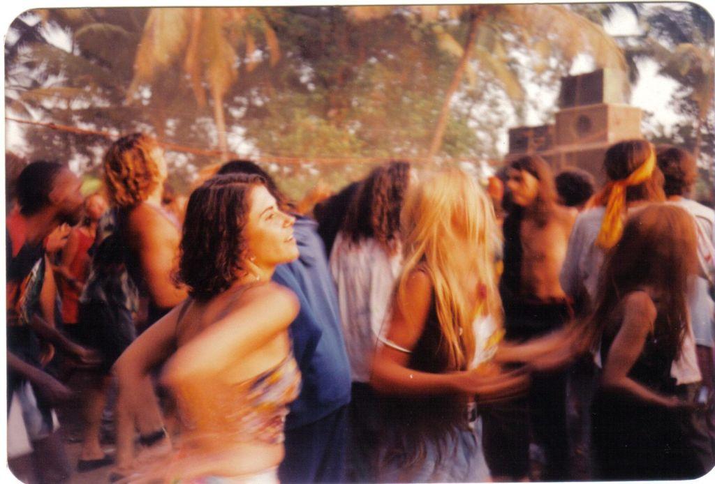 מסיבה בגואה, שנות ה-90. קרדיט: אנדראס ווגנר