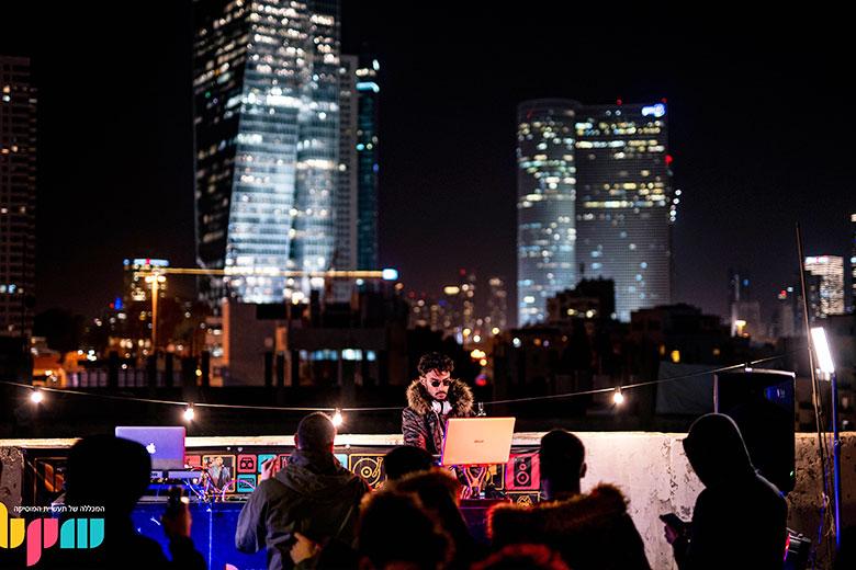 הופעה די ג'יי על גג bpm בתל אביב