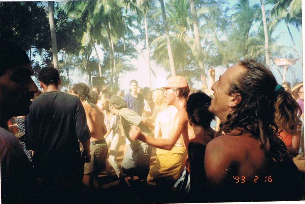 גואה, 1993. משמאל: מיקו מקליפורניה סאנשיין. קרדיט: דלית פוליבה