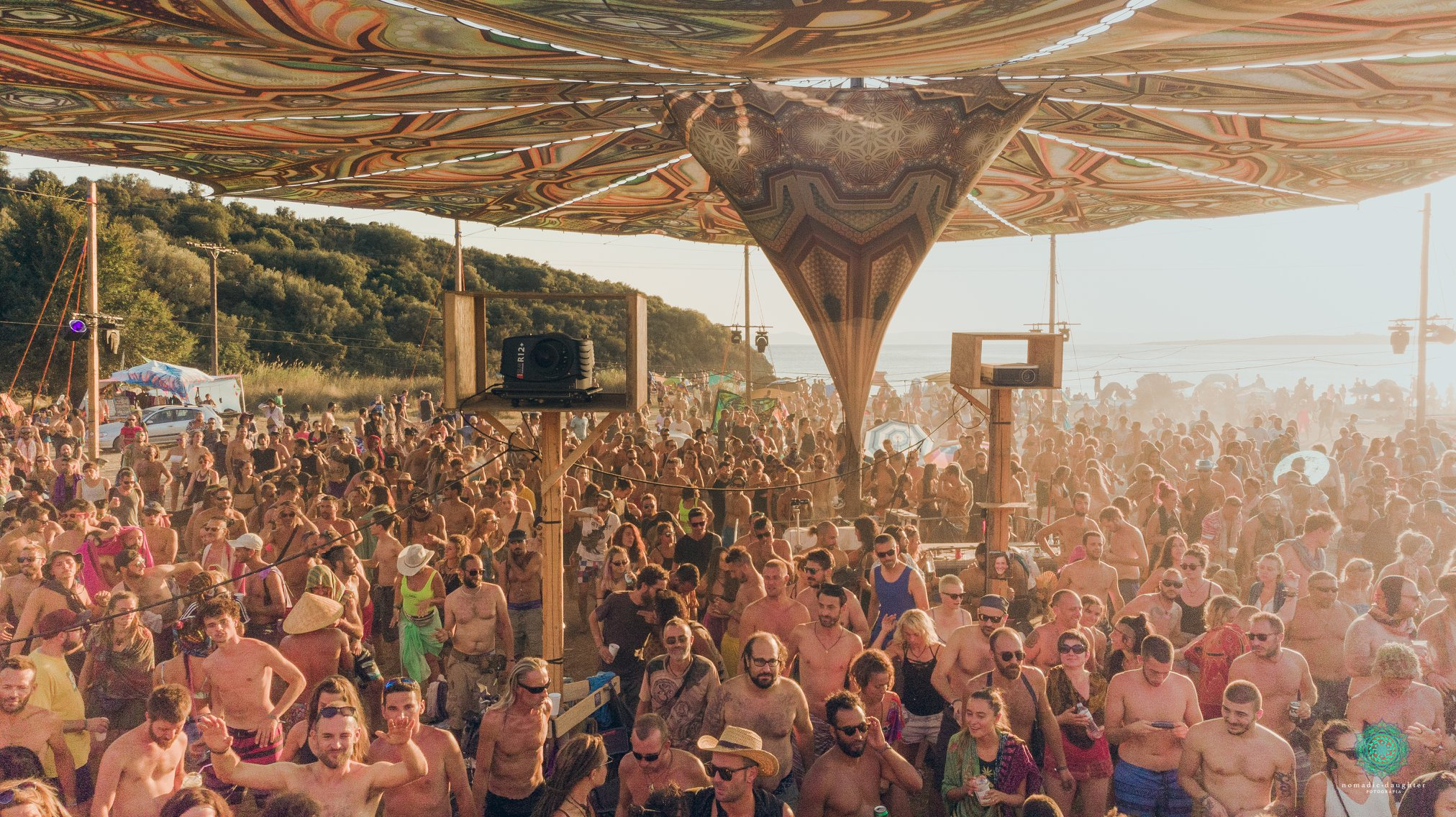 רחבה אנשים פסטיבל free earth festival ריקוד